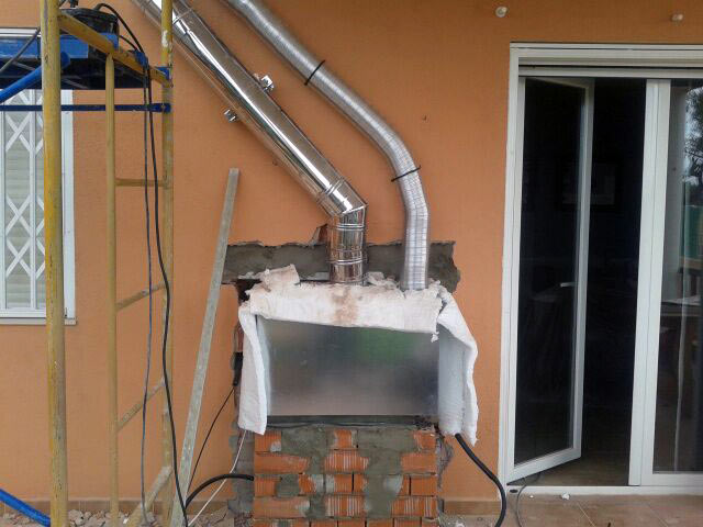 Instalaci n de chimenea insertable sin reforma interior for Instalacion de chimeneas