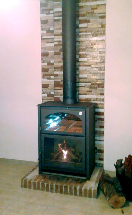 Instalación horno-estufa metálico